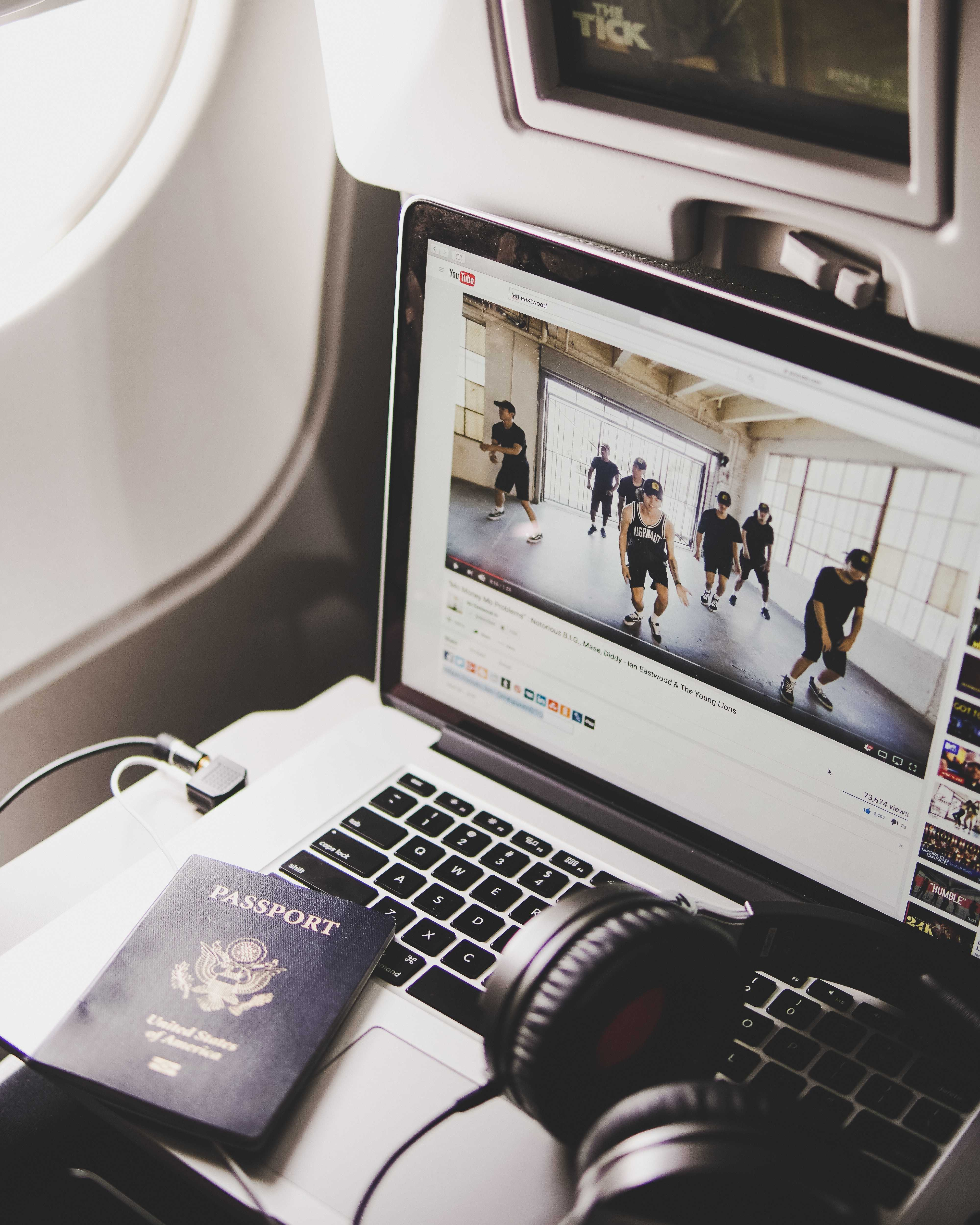 4 tips for keeping healthy when traveling