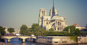 Notre Dame Seine River Paris TrainAway Neoness